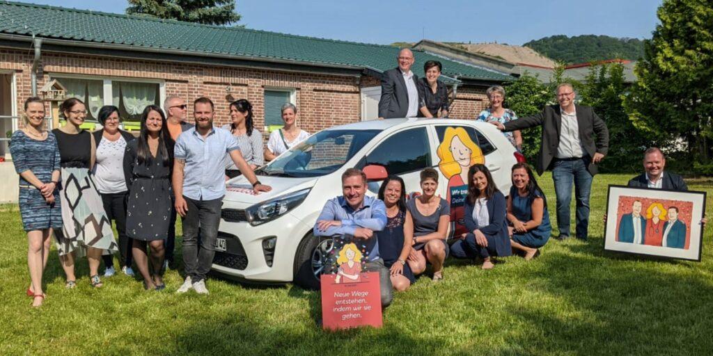 Die Geschäftsleitung der Miacosa Pflege-Gruppe feiert die neue Marke