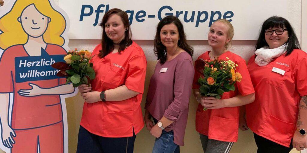 Von links: Mia, Vanessa Schulschenk, Pflegedienstleiterin Anja Niemann, Jasmin Gunkel, Praxisanleiterin Nicole Kleofas.